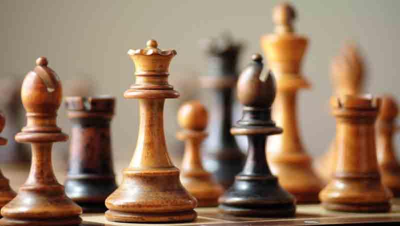 Gambito de dama o de las ventajas de no jugar al ajedrez. Fernando Sánchez Dragó