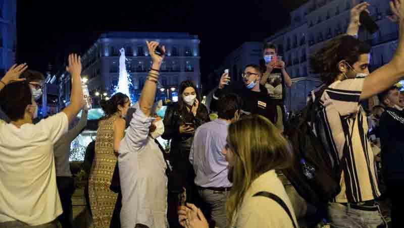 La fiesta, la locura y el minigolpe de estado. José Vicente Pascual